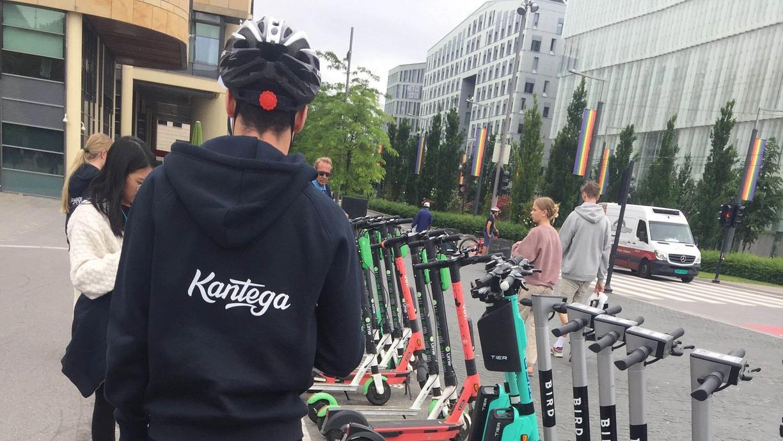 Sommerstudent tester el-sparkesykler i Oslo