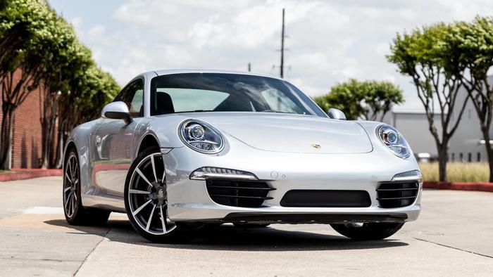 2015 Porsche 911 Carrera at Driven