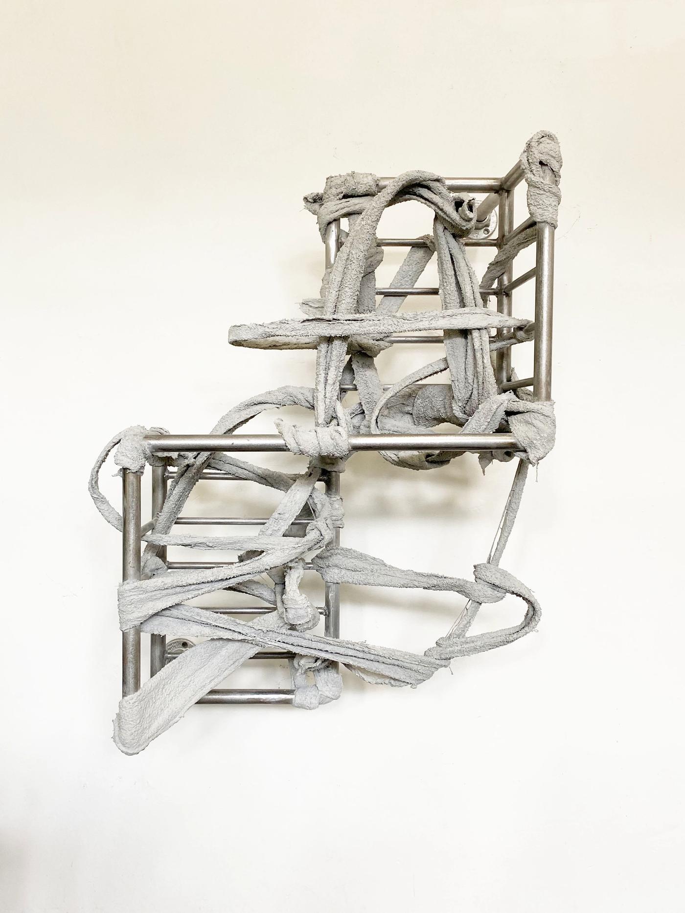 Image of RUINER II, 2020: Steel, towel, plaster