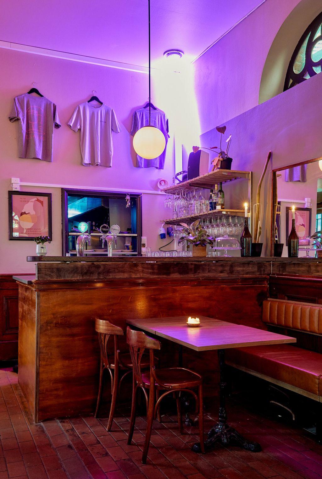 Den nybygde baren i Bacchus-delen av lokalet.
