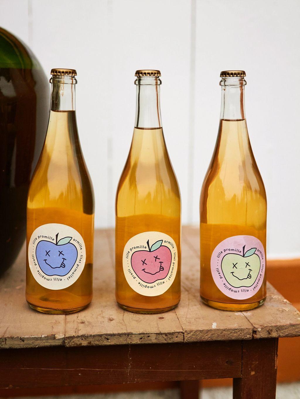 Etikettene til Lille promille er utformet av Ulrikke Nordseth. Foto: Oda Joramo
