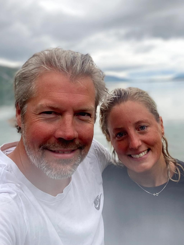 Kjæresteparet Stian Floer og Tuva Bohne Sætnøe driver Fiskebruket på Myken. Foto: Privat