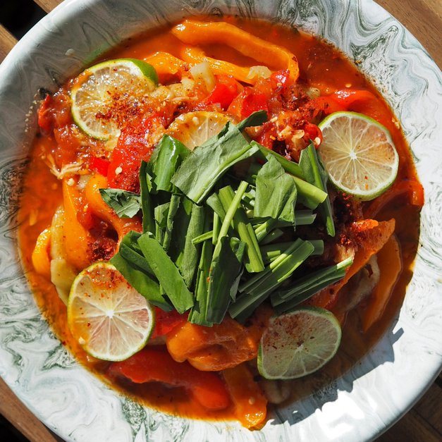 Grillet aubergine-salat fra Yunnan (火烧茄子)