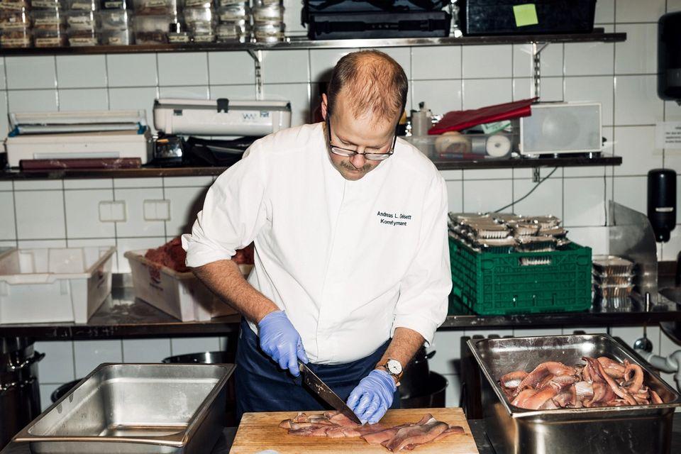 Kokken er både kulturelt ikon og lavtlønnet skiftarbeider