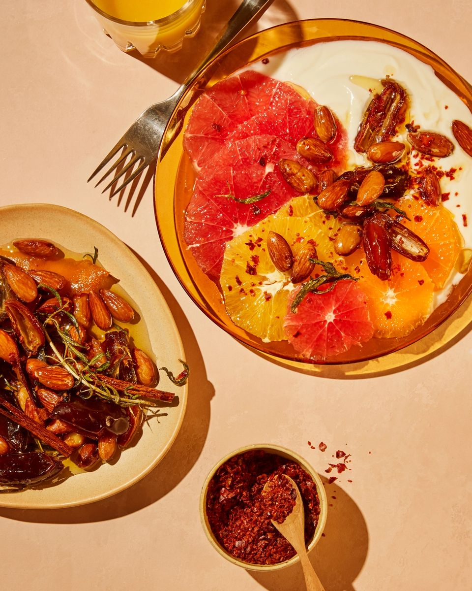 Disk opp med en superfrisk sitrussalat til frokost i helgen