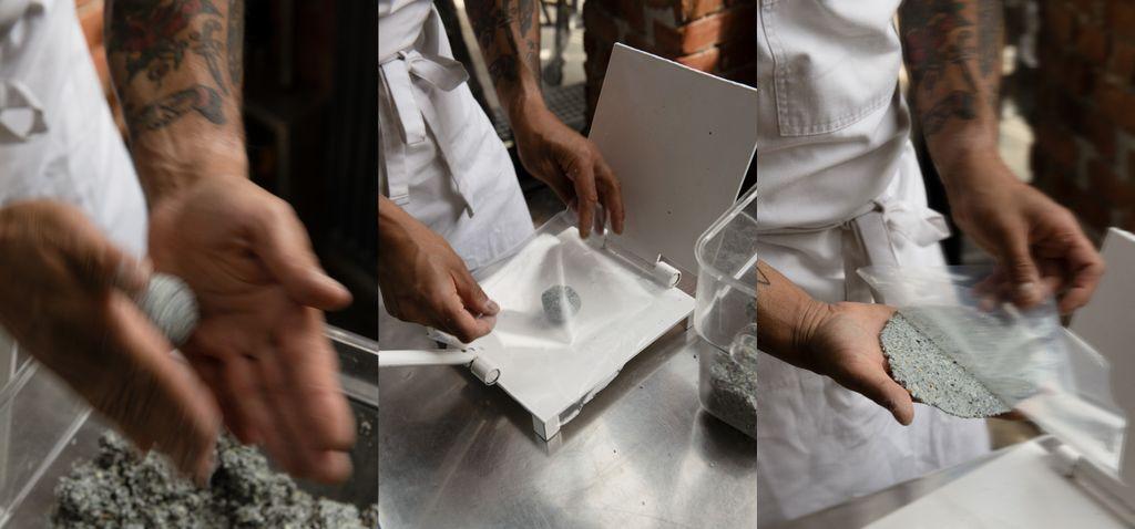 Masa formes til baller og presses til tortillas som får plass i hånden. Breddos' tortillapresser er laget av Doña Rosa i Oaxaca i Mexico.