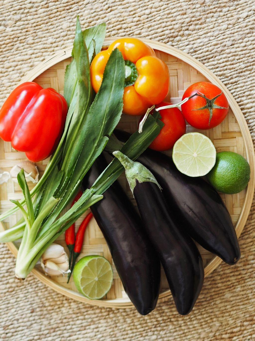 Lange, slanke auberginer fra Japan eller Kina er perfekte til denne retten.