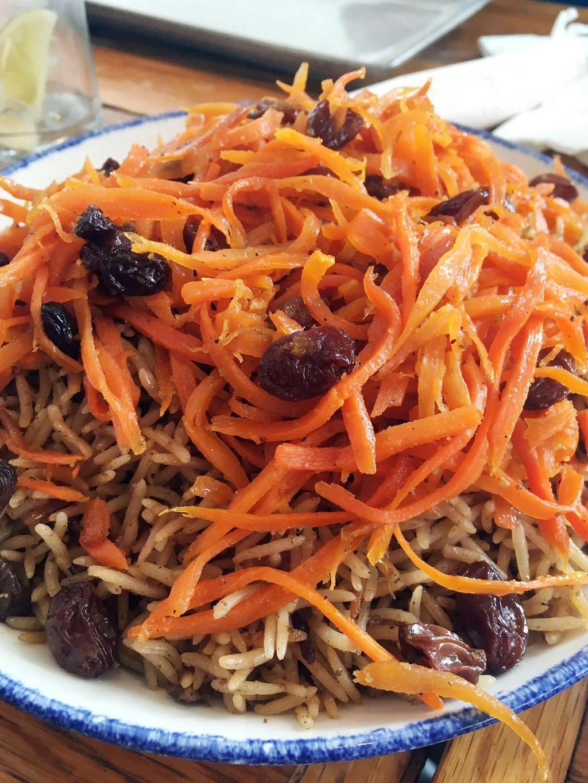 Qabuli palow er en lammerett med ris, gulrot og rosiner. Foto: Andreas Liebe Delsett