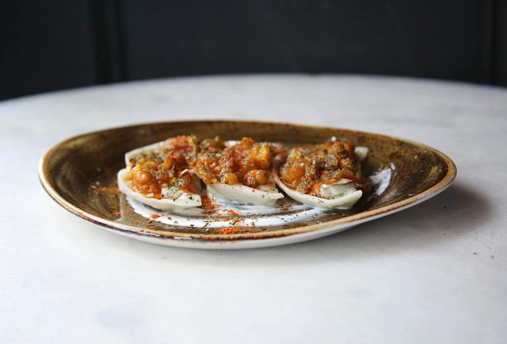 Mantoo-dumplings med oksekjøtt og grønnsaksragu. Foto: Omar Popal/Lapis
