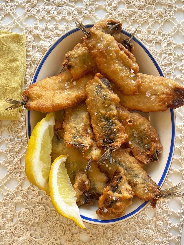 Friterte sardiner med sitron – enkelt og godt.
