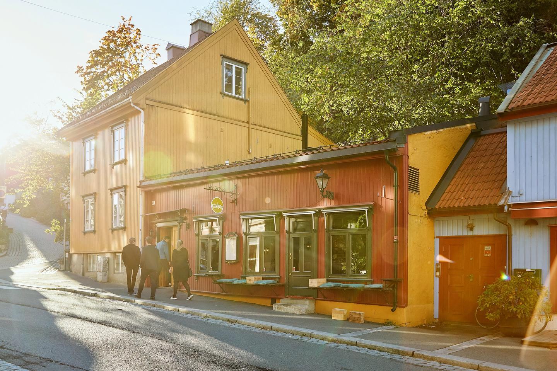 Det er lett å skjønne at denne vinbaren er blitt en Oslo-favoritt
