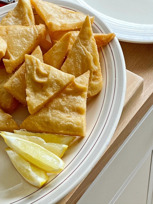 Panelle er en siciliansk fritert gatemat-klassiker laget av kikertmel.