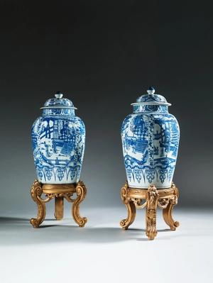 Massive Pair of Chinese Export Porcelain Vases and Covers