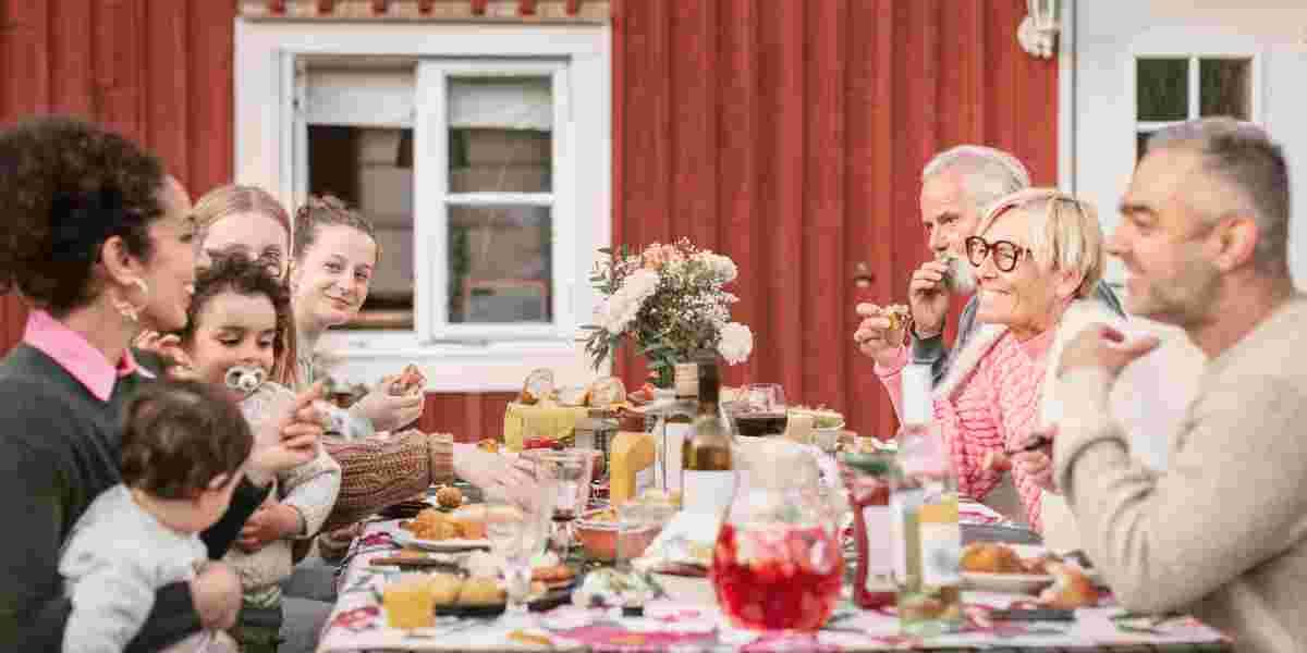Utendørs familieselskap sommer