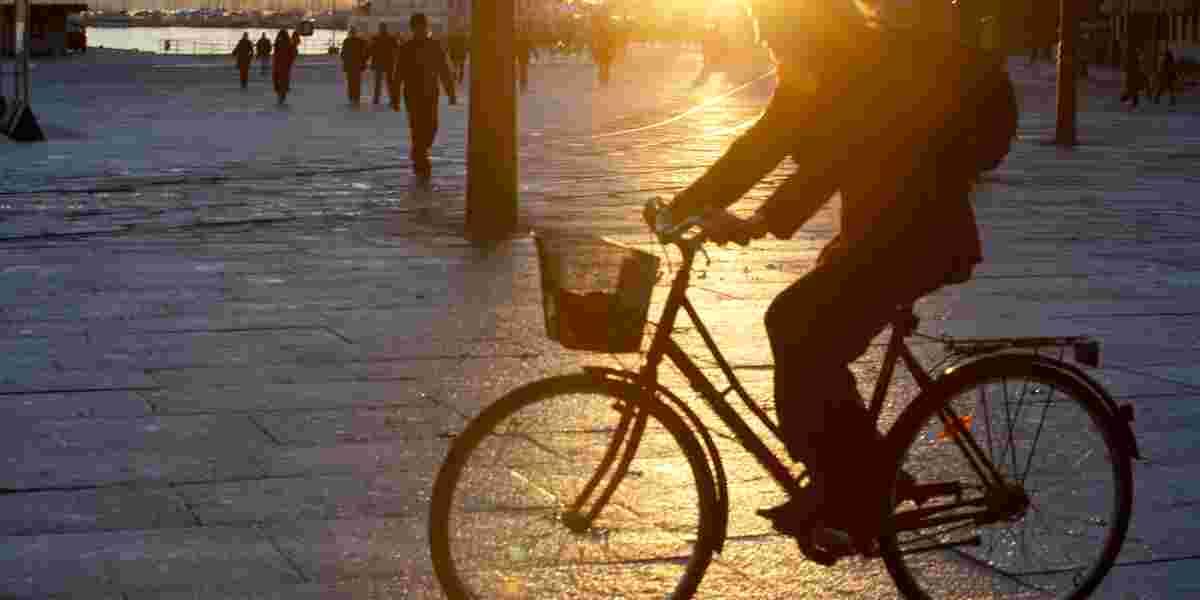 Syklist på vinteren, Aker brygge