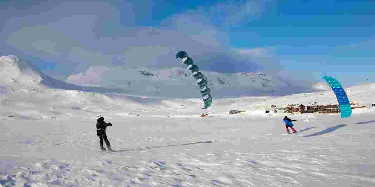Kiting. Vindseiling på Finsevatnet.