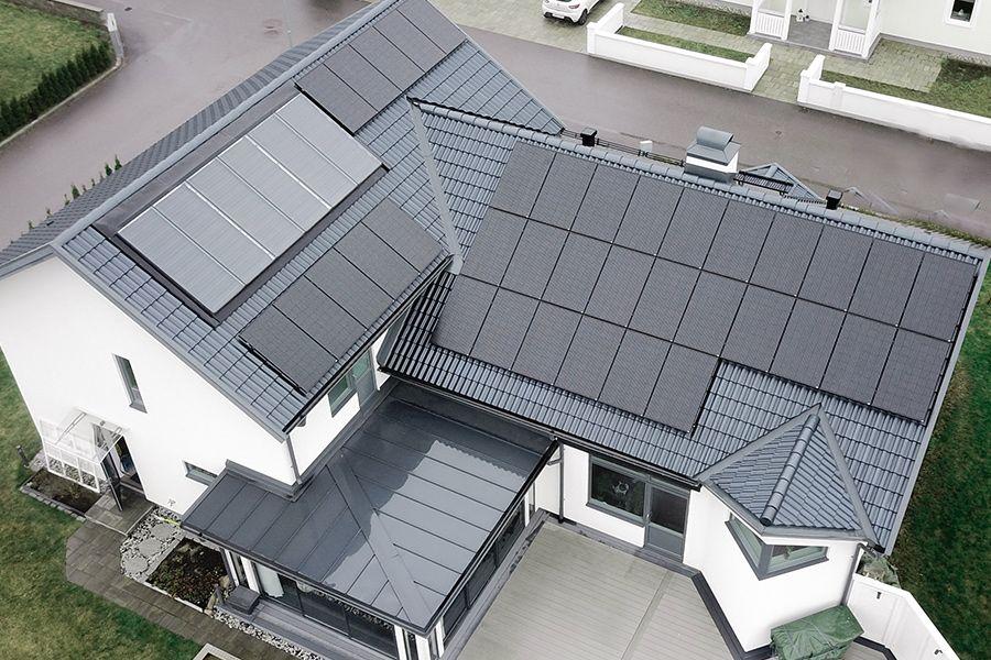 een uitgebreide zonne-installatie