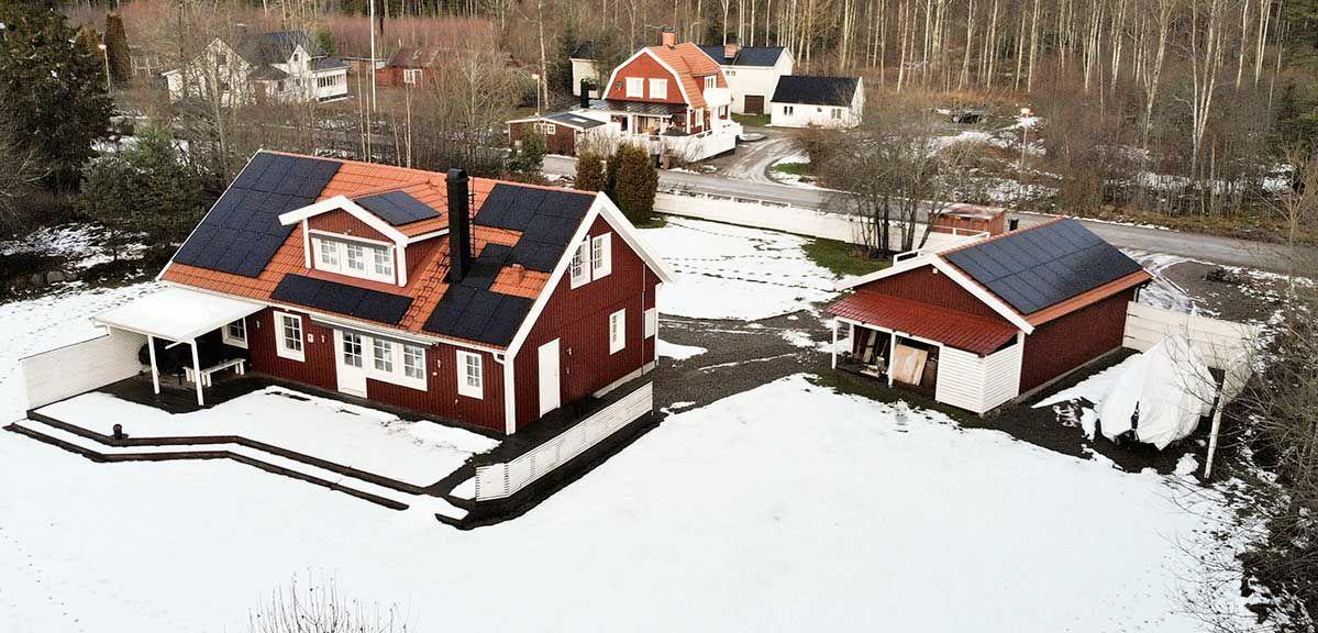 Solceller på gammalt tak