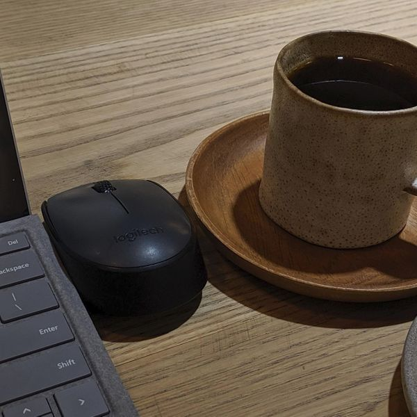 Image of working remotely from a cafe