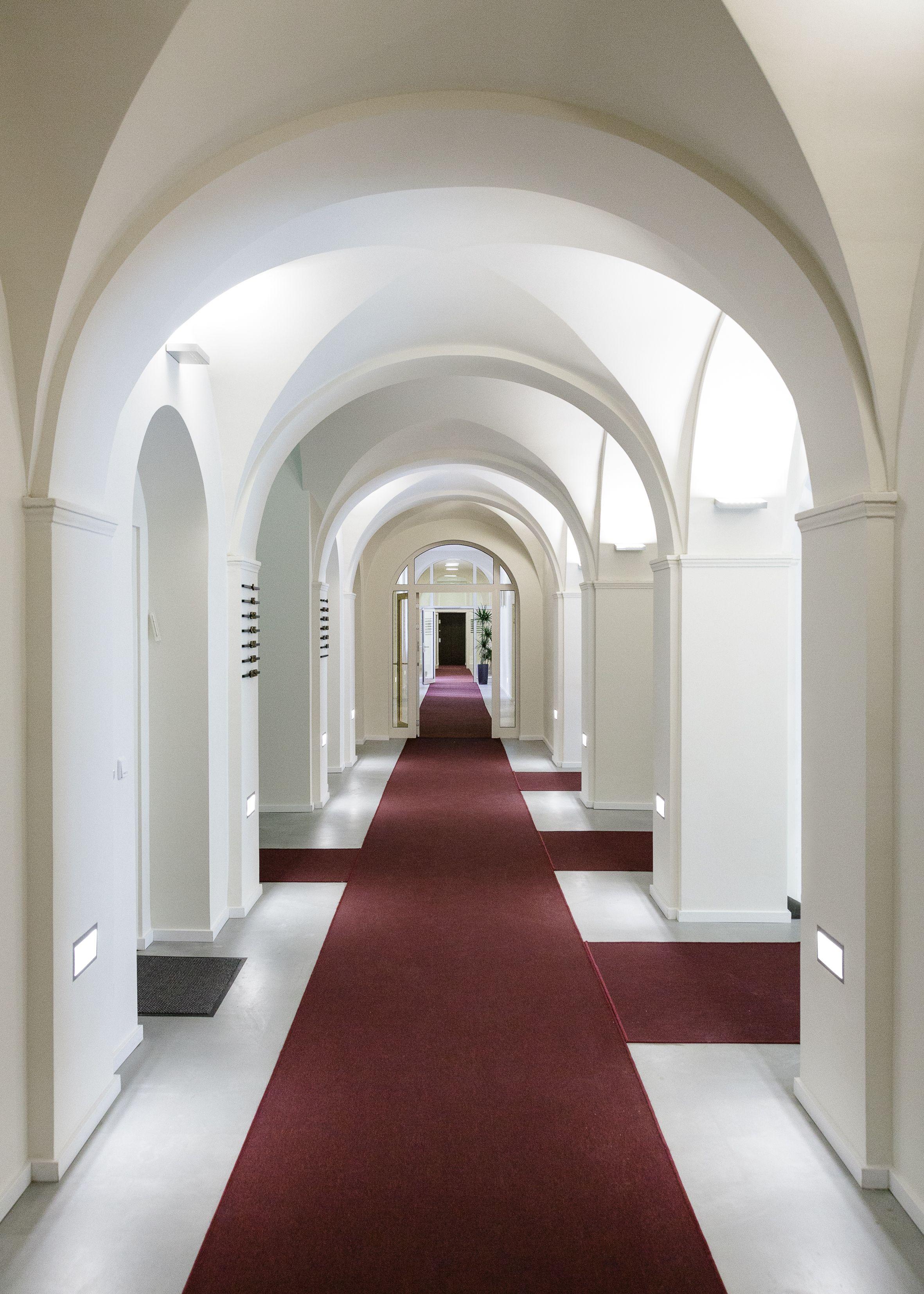 Paragon Apartments - Hallway