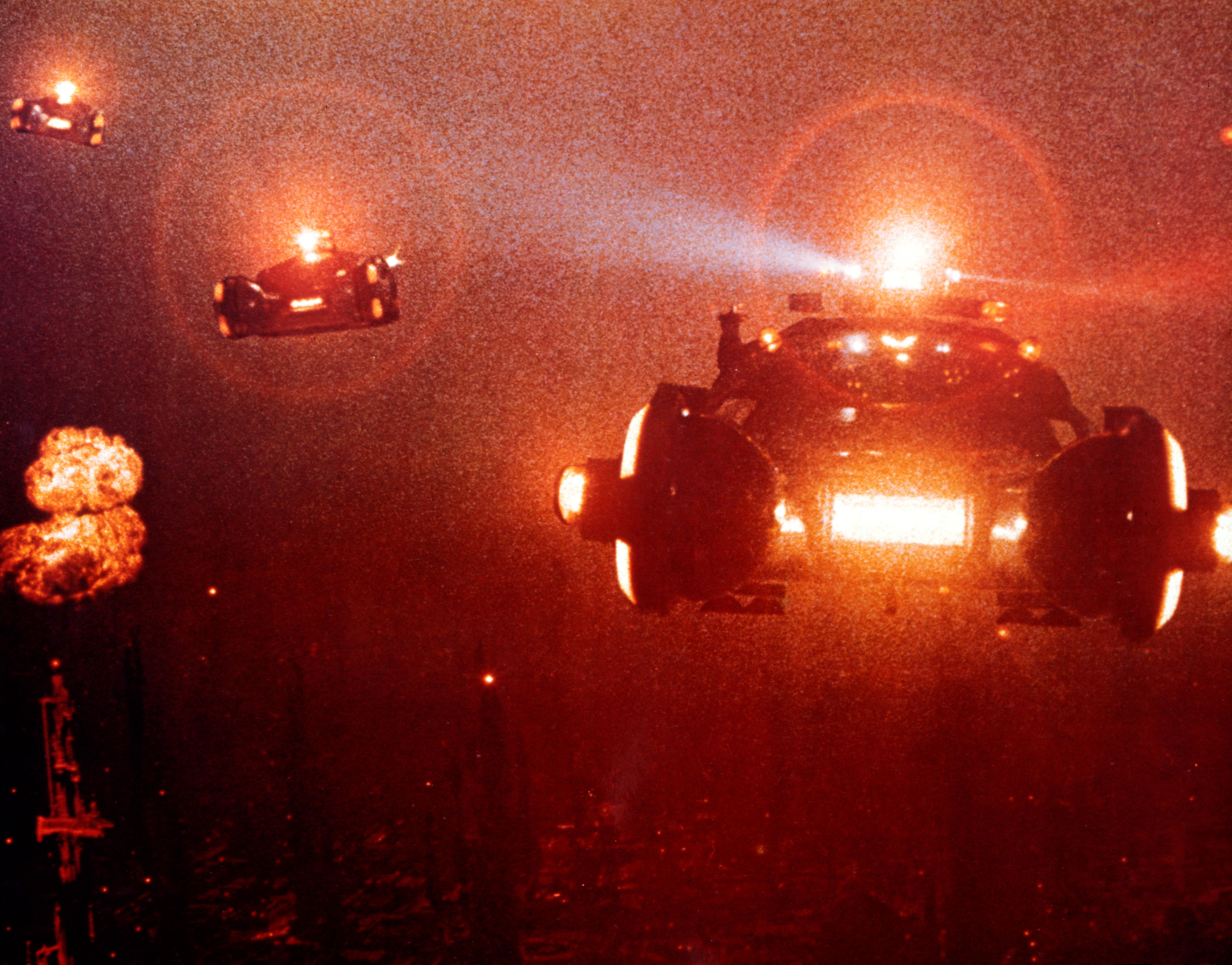 Blade Runner (1982): Three-dimensional mobility as imagined by Syd Mead.
