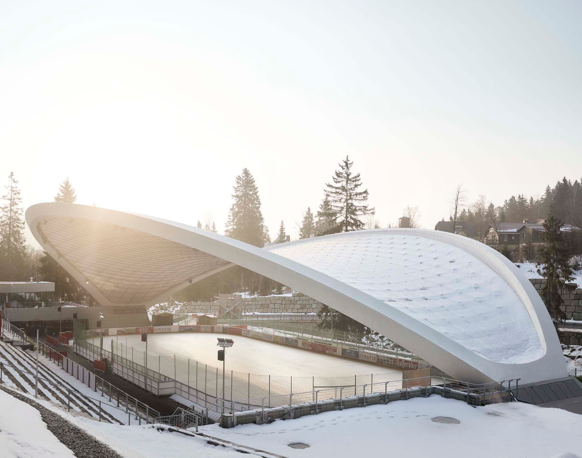 The unique roof construction of the multifunctional arena in the Harz Mountains