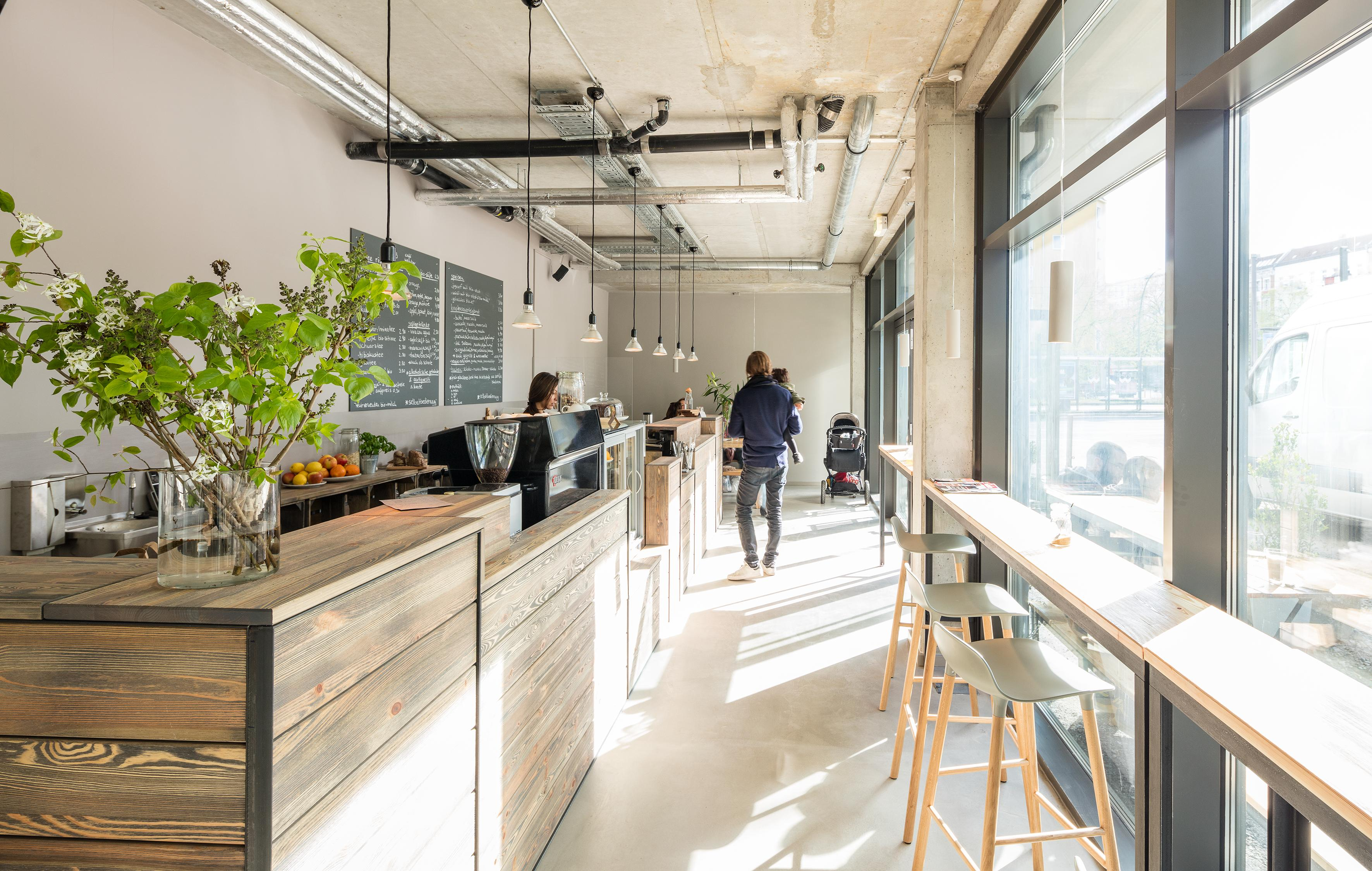 Paragon Apartments - Café