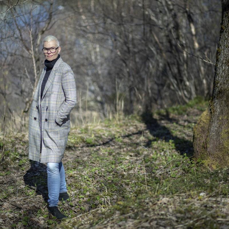 EXIT: Ina Otzko trekker seg som varamedlem til styret ved Nordnorsk Kunstmuseum. – Museet er i fritt fall, og styret setter politisk spill foran museets beste, sier hun. © FOTO: THERESE JÆGTVIK