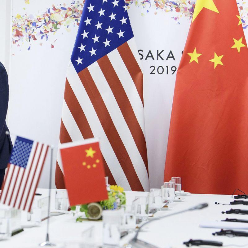 DE BESTE FIENDER: På G20-møtet i Japan i juni 2019 skal Donald Trump, ifølge hans daværende sikkerhetsrådgiver John Bolton, ha bedt Kinas president Xi Jinping om hjelp til å vinne 2020-valget. FOTO: BRENDAN SMIALOWSKI, AFP/NTB SCANPIX