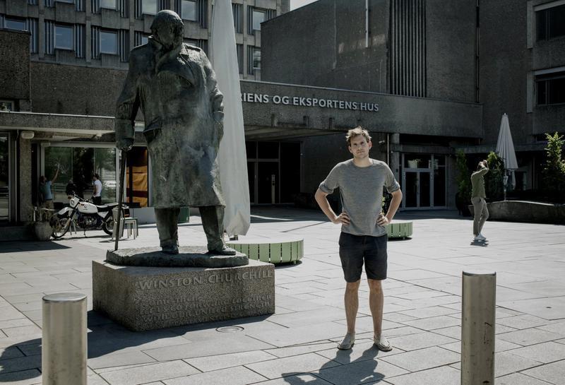 SNUR LITT: Mens Ludvig Holbergs slavehandelforbindelser ikke holder til statuefjerning for Teodor Bruu i Grønn Ungdom, står han på at den britiske statsministeren Winston Churchill bør fjernes fra Solli plass i Oslo.