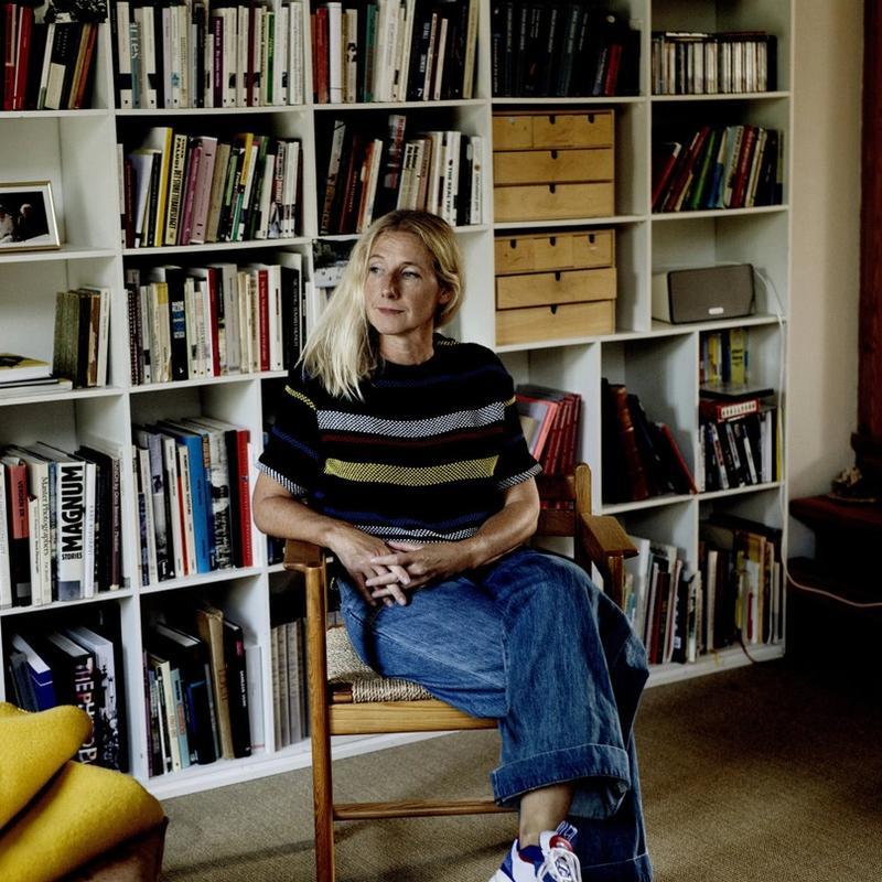 VIL IKKE SVARTMALE: Professor Ane Hjort Guttu er ikke enig i påstanden om at all undervisning på Khio er preget av identitetspolitikk. Her er hun fotografert hjemme på Bøler i Oslo.