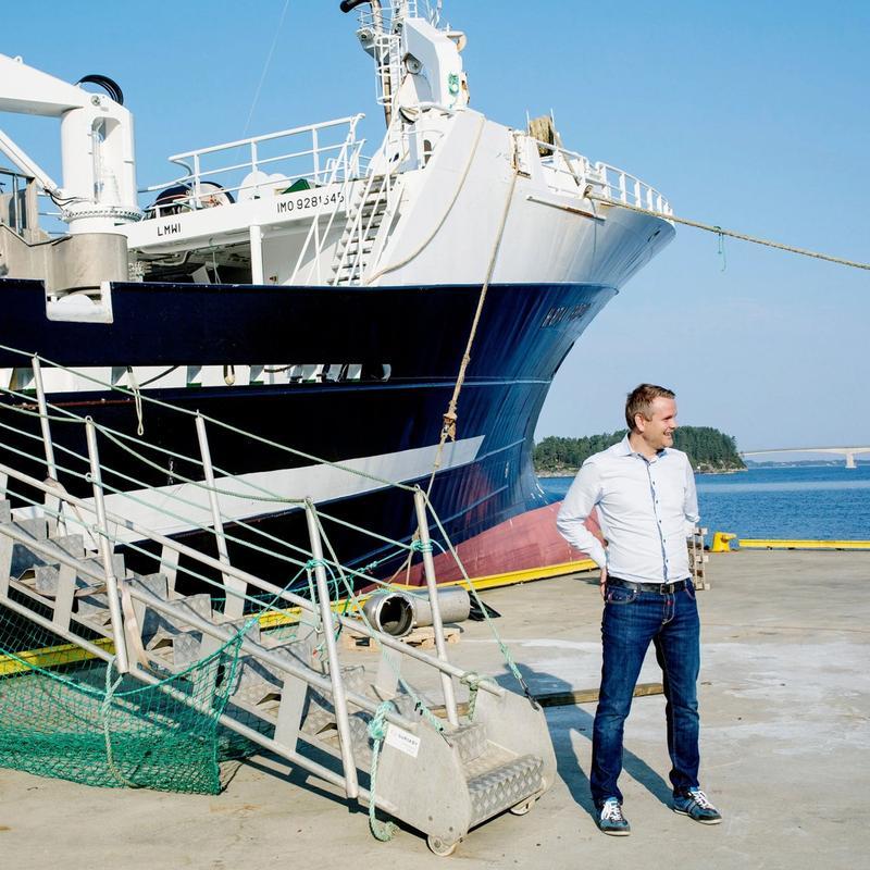 LAKS OG TORSK: Arne Møgster er konsernsjef i Austevoll Seafood, som i mange år har drevet lakseoppdrett med eventyrlig suksess. I 2016 kjøpte de fiskeriselskapene til Kjell Inge Røkke. De kontrollerer nå 10 prosent av den norske torskekvoten.FOTO: EIVIND SENNESET, DAGENS NÆRINGSLIV