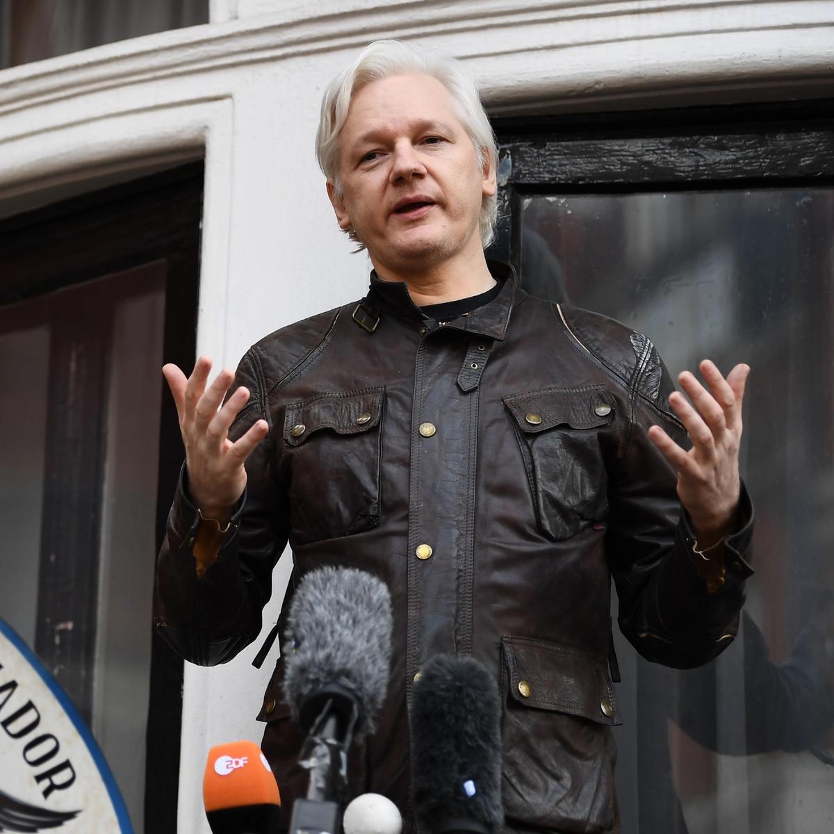 Bildet av Wikileaks' Julian Assange er tatt 19. mai 2017 ved Ecuadors ambassade i London.