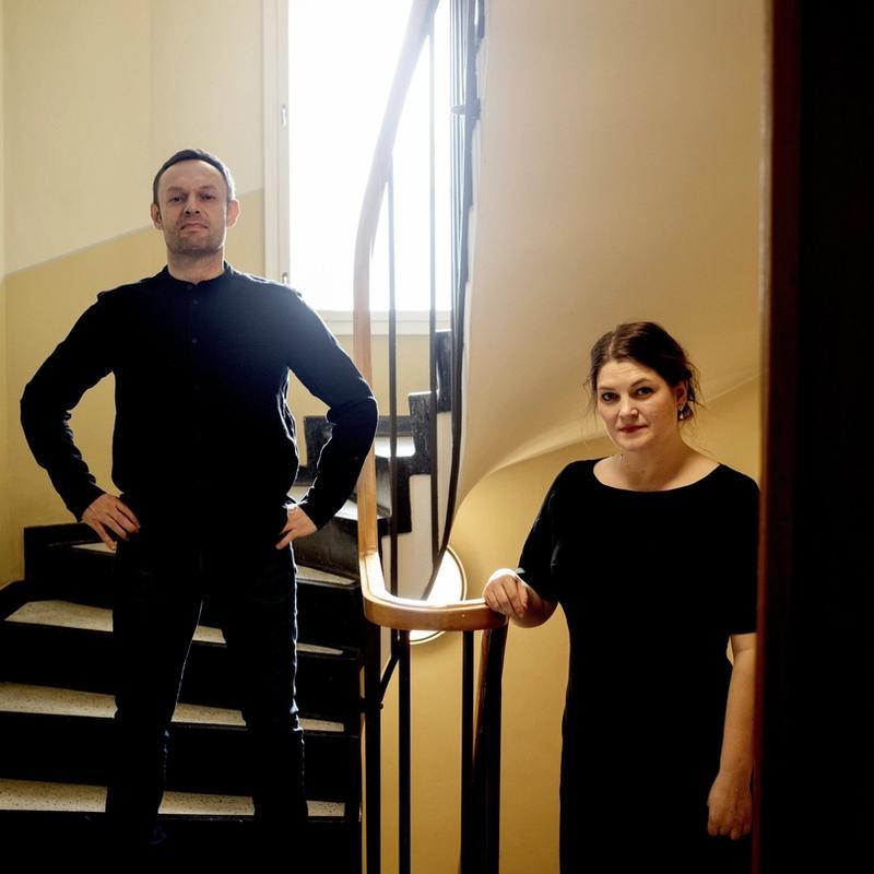 NOK ER NOK: Torgeir Knag Fylkesnes (SV) og Cecilie Myrseth (Ap) krever at styrelederen ved Nordnorsk Kunstmuseum går av. – Hele styret må gå av og overlate til andre å rydde opp og bygge opp tilliten igjen, sier Myrseth.