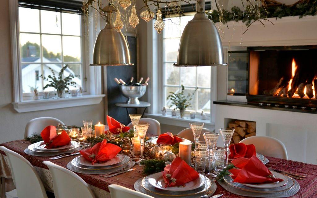 10 tips til å dekke et fint bord til jul