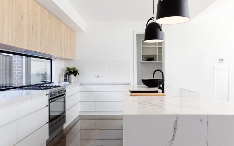 Slik vedlikeholder du en eksklusiv benkeplate i marmor, granitt eller skiferstein