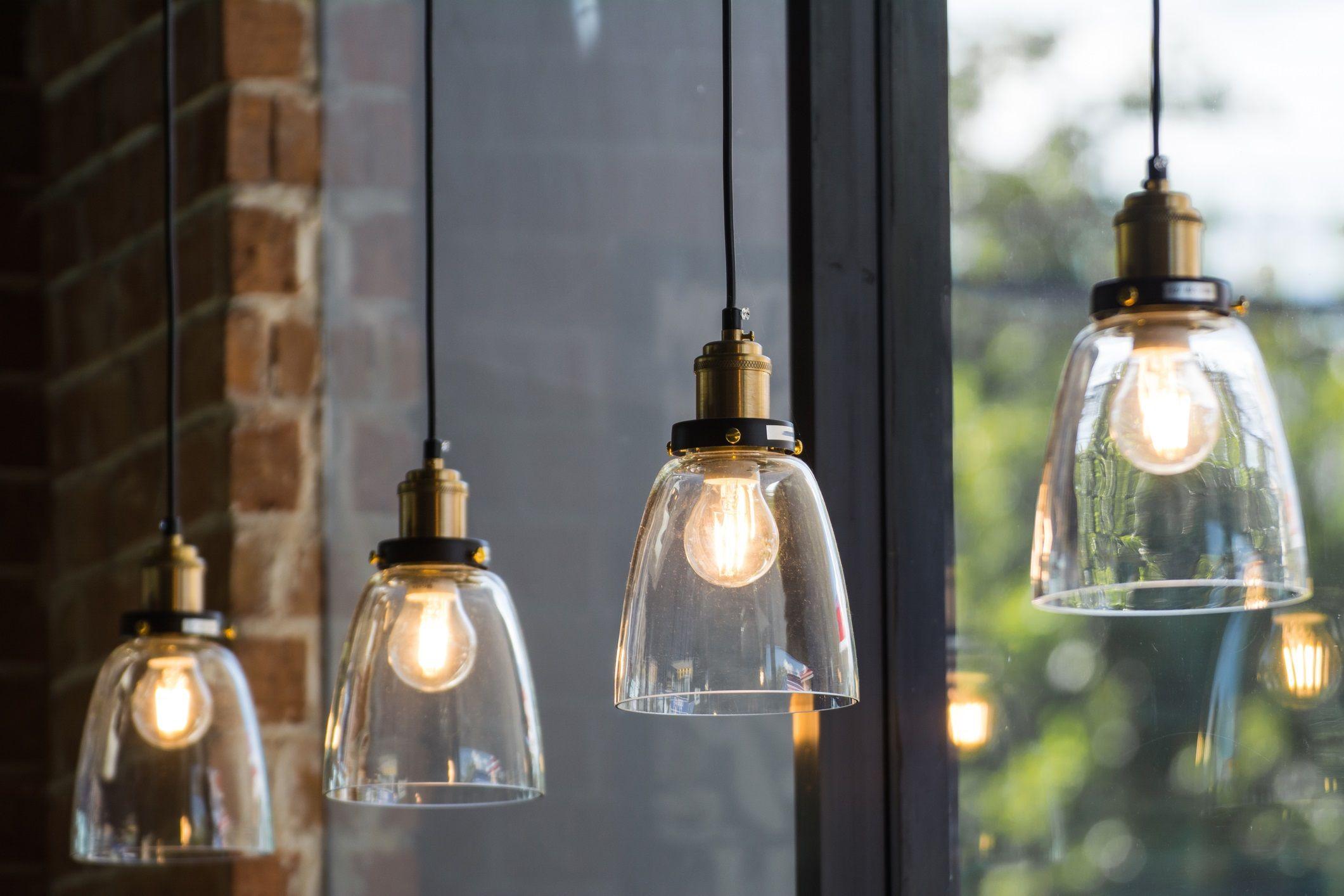 salg leilighet lamper