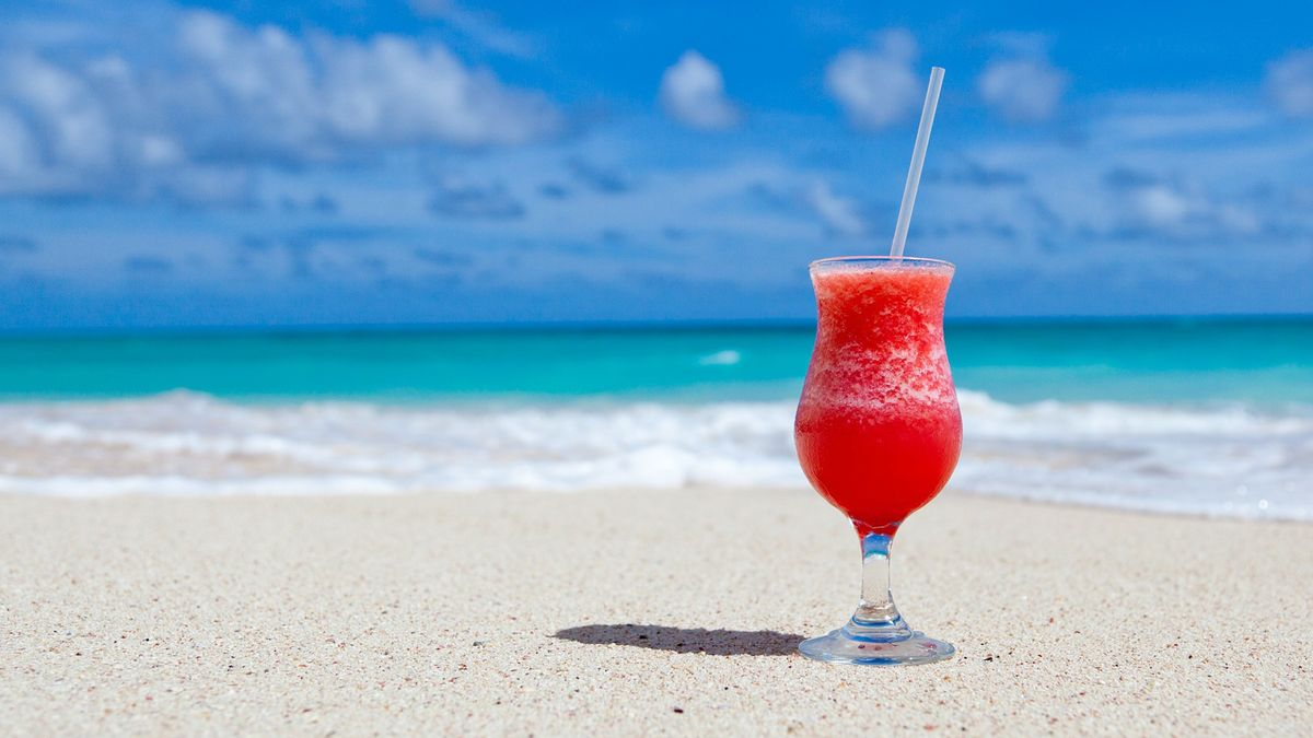 A margarita on a beach.
