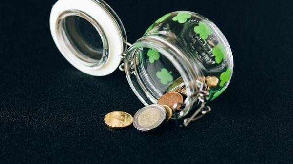 Coins falling off a jar