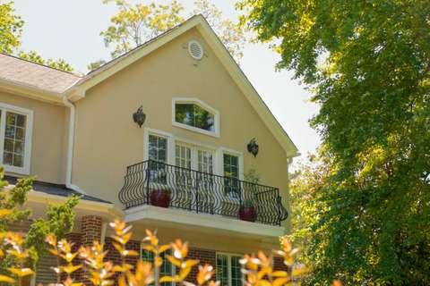 Arlington House balcony detail