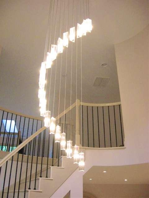 White Heaven foyer lighting fixture detail