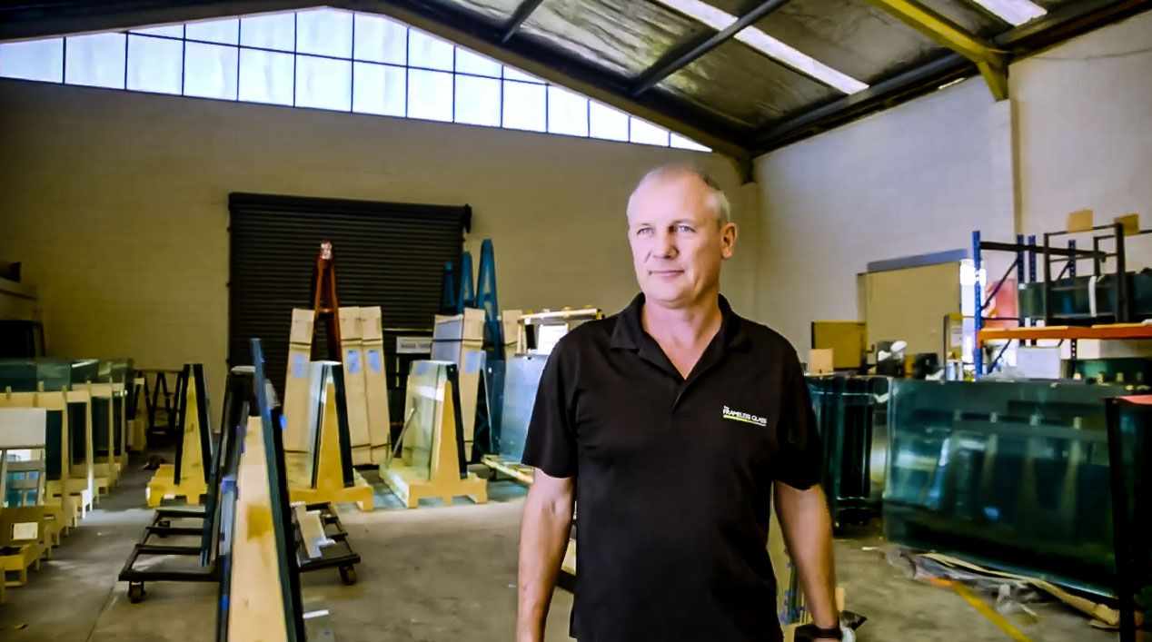 Henry from the Frameless Glass Company uses Smart-Builder glass software
