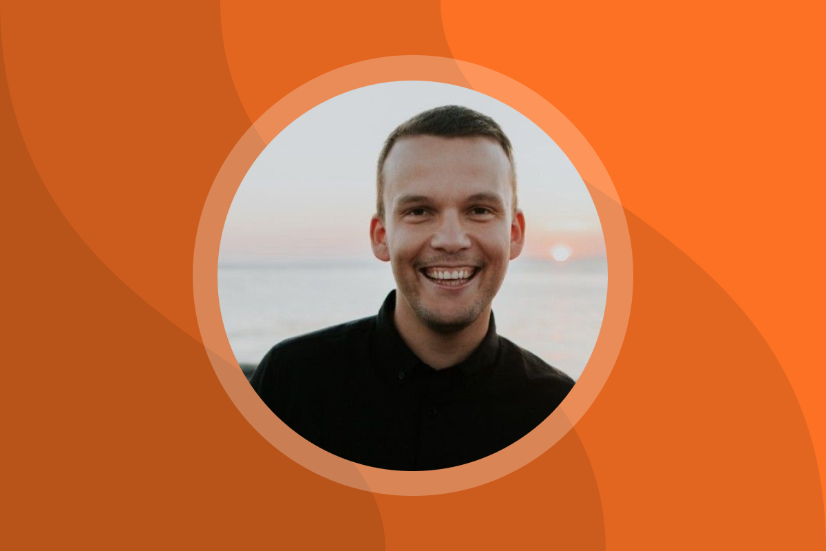 A picture of Sindre Suphellen, former summer intern at ShiftX, on an orange background