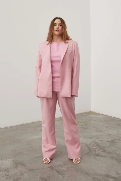 Model wearing the Bobbi Boyfriend Pant with the Have the Faith Blazer in Pink Check and the Relaxed 01 T-shirt in Pink.