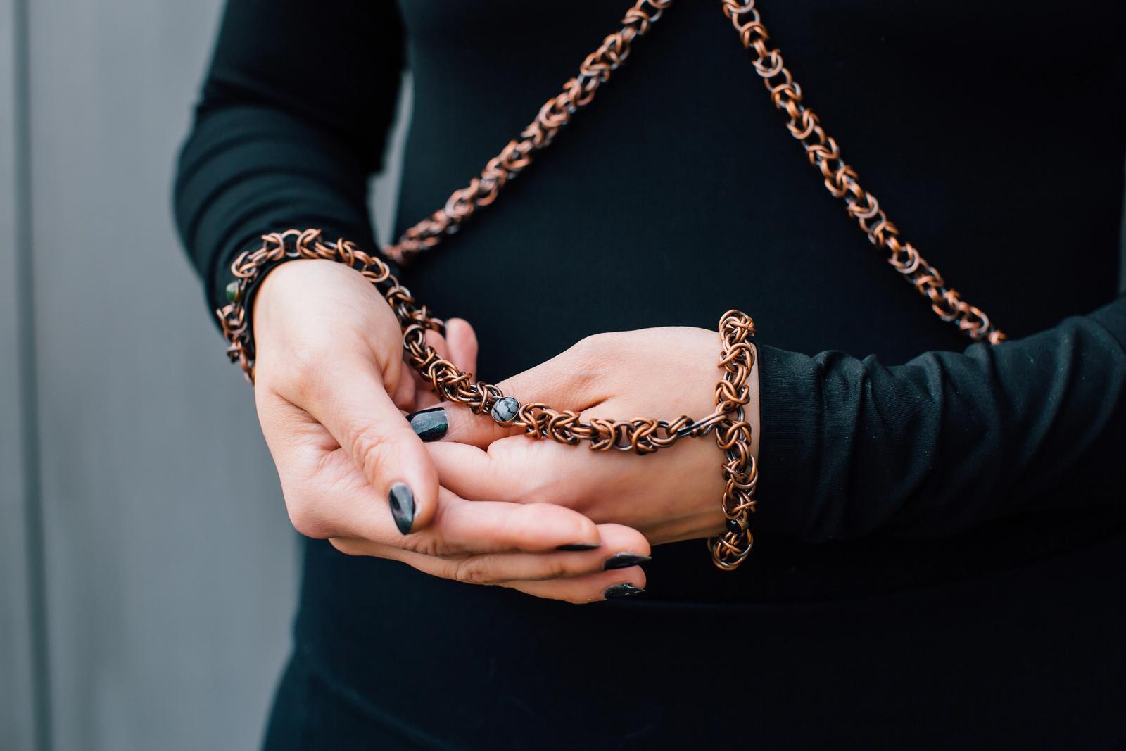 Convertible handcuff link