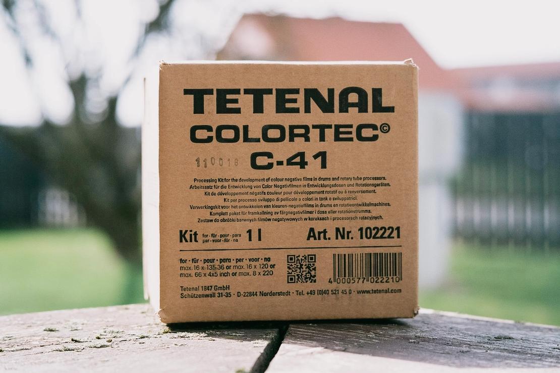 Tetenal Colortec C-41 kit box.