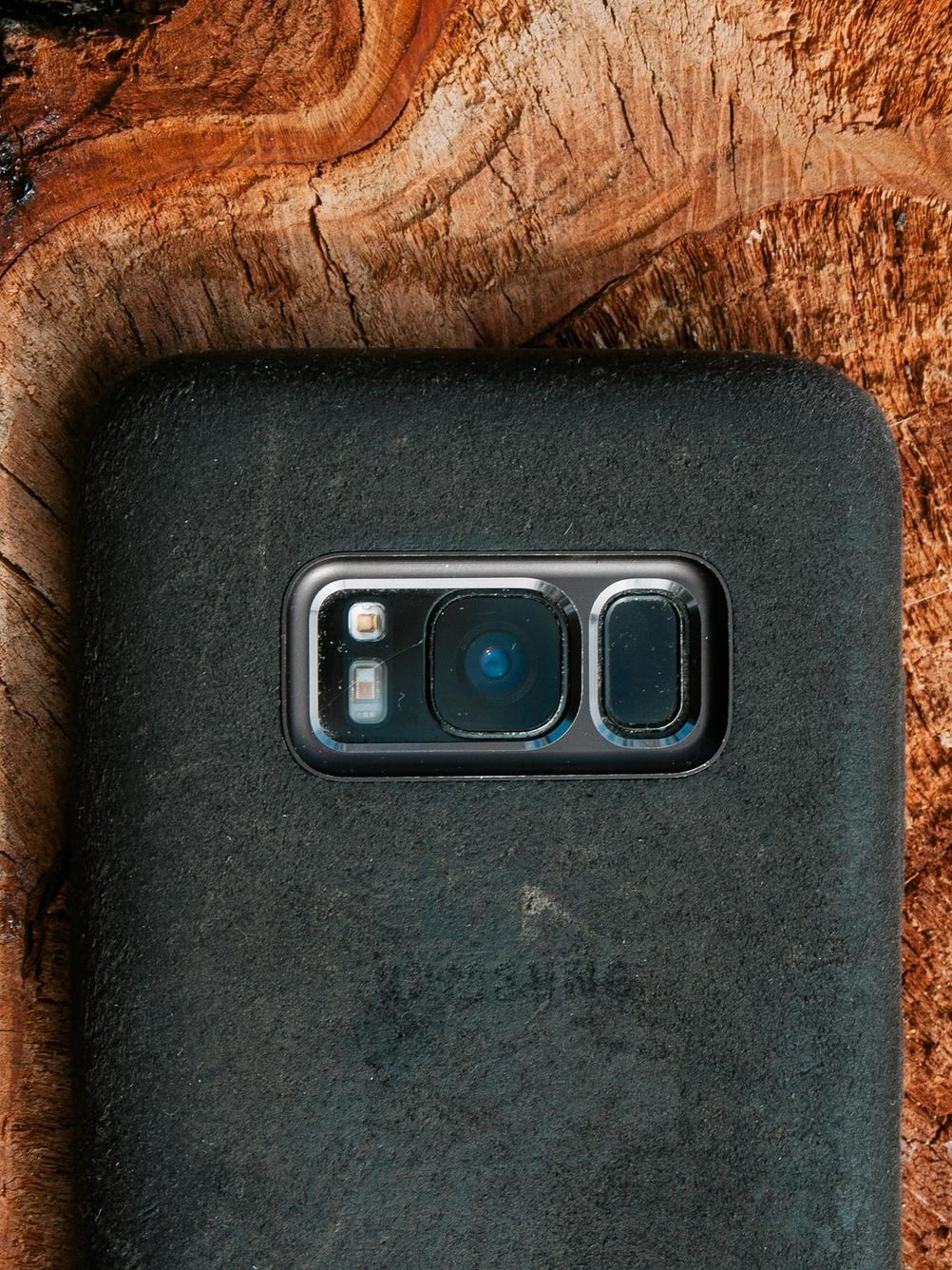 Photo of Samsung S8 rear camera.