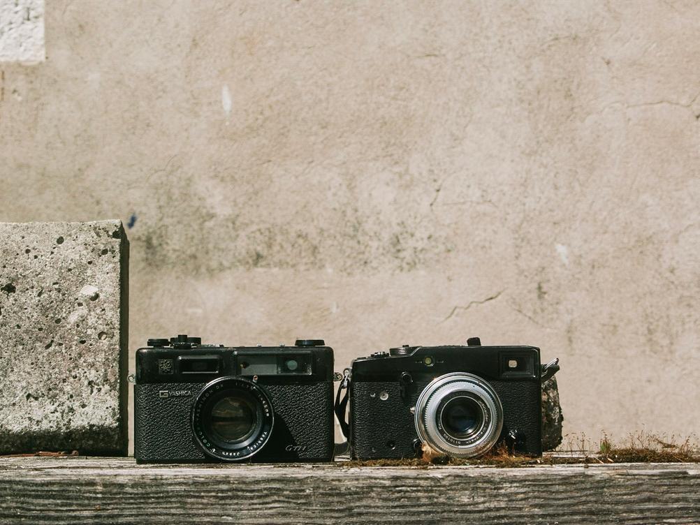 Photo of Yashica Electro 35 GSN and Fujifilm X-Pro1.