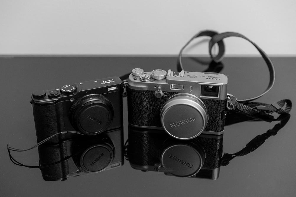 Comparing Fujifilm XF10 and X100.