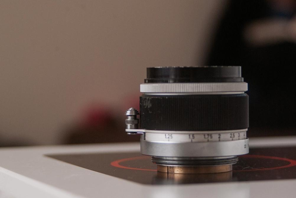 Photo of Canon 50mm f1.8 LTM lens infinity lock pin.